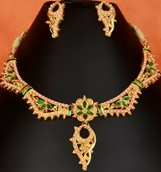 Indian Traditional Beauty Kundan and Beads Studded Dark Green Necklace